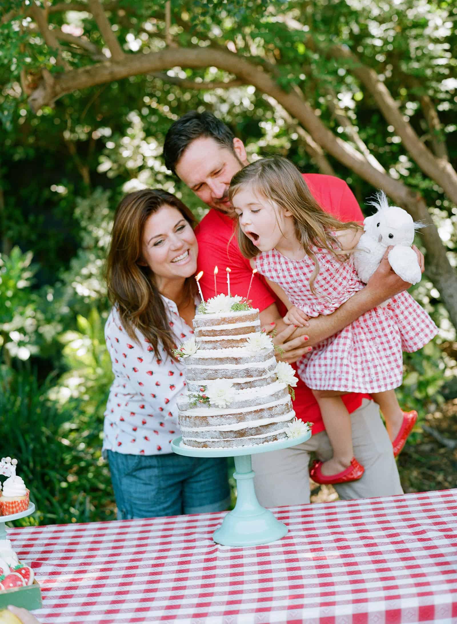 Strawberry Sweet - A Birthday Celebration by Tiffani Thiessen. Photos by Elizabeth Messina
