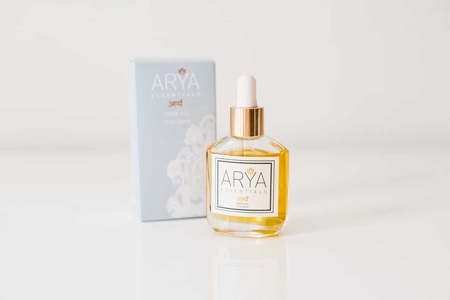 Tiffani Thiessen's Favorite Things • May 2016 • Arya Essentials- A beautiful anti aging face oil that smells devine • Photo by Megan Welker