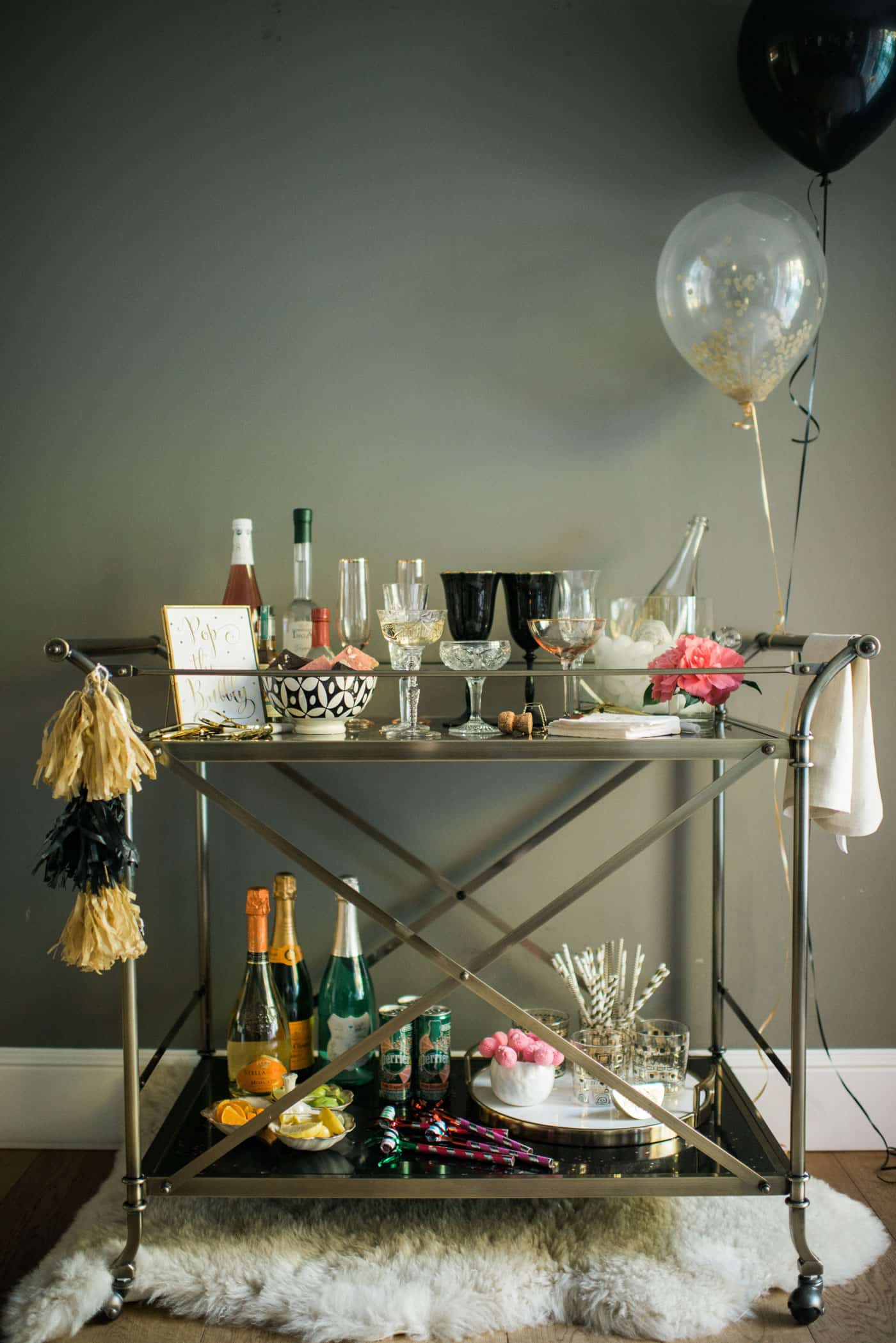 Bubbly Bar with Tiffani Thiessen