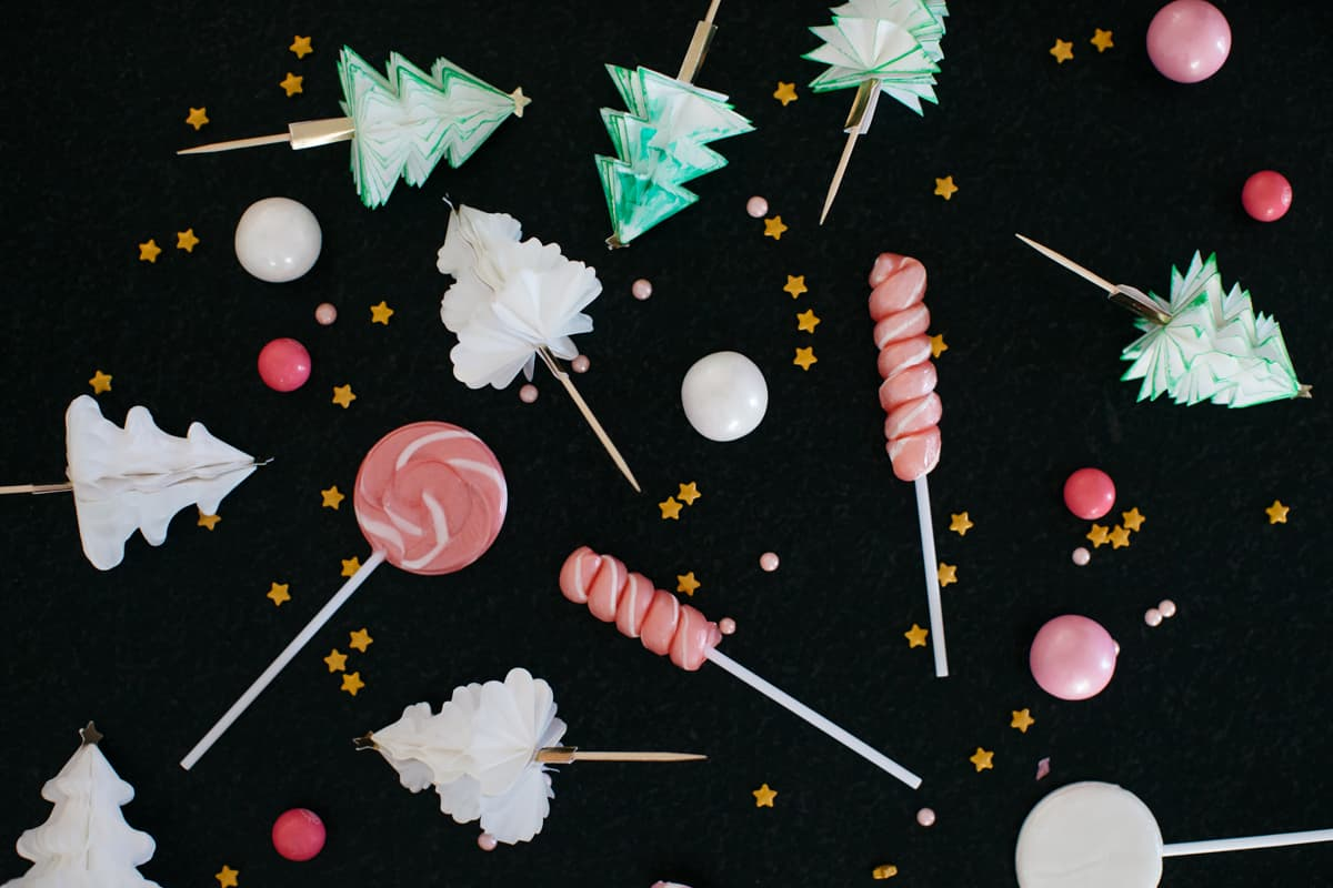 Christmas cupcakes by Jenny Keller and Tiffani Thiessen