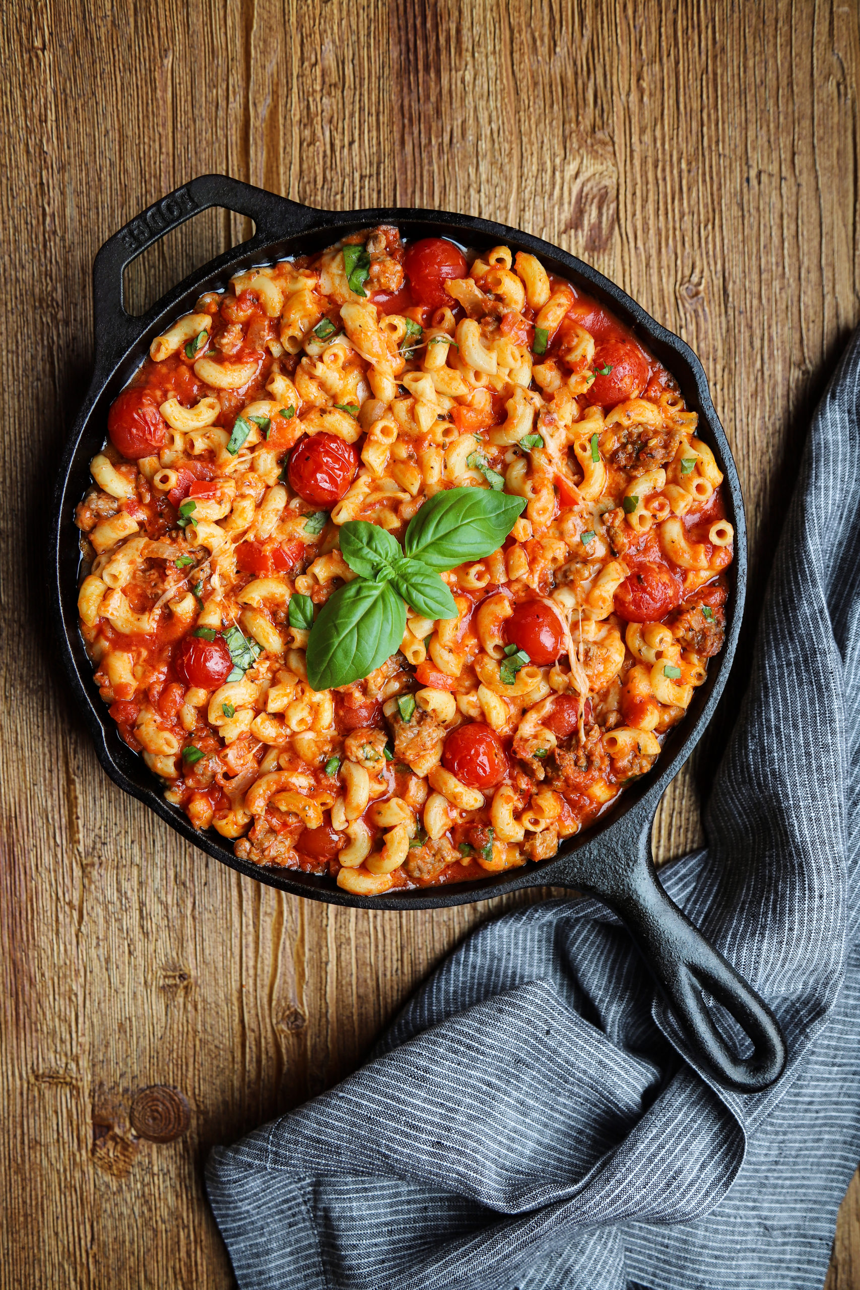 Skillet Mac-n-Cheese Lasagna